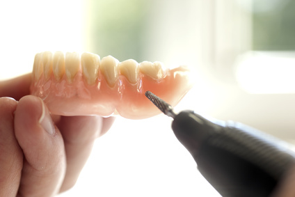 EURAdent Zahnersatz Prothese Patienten